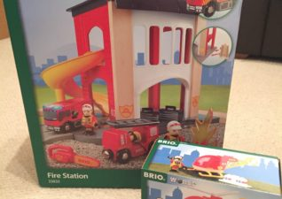 Brio Fire Station Firefighter Helicopter