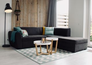 5 super quick and super simple living room updates you can do in a weekend!